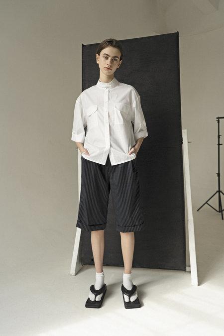 UNISEX K M by L A N G E JAPANESE COLLAR SHIRT - WHITE