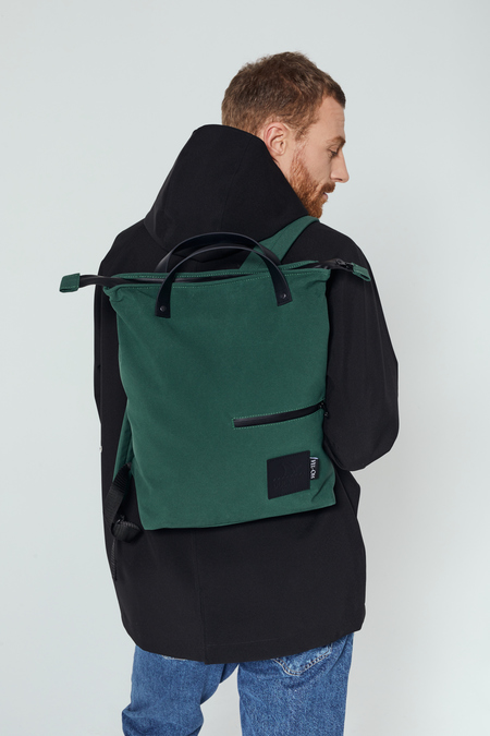 UNISEX DUCKTAIL BACKPACK