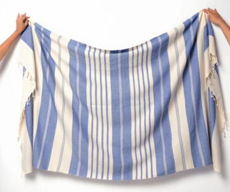 Aish Hank Blanket - White/Blue