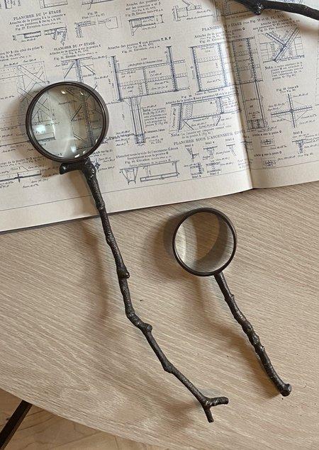 AERO Sprig Magnifying Glass - brass