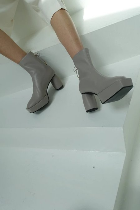 Reike Nen Platform Ribbon Boots - Gray
