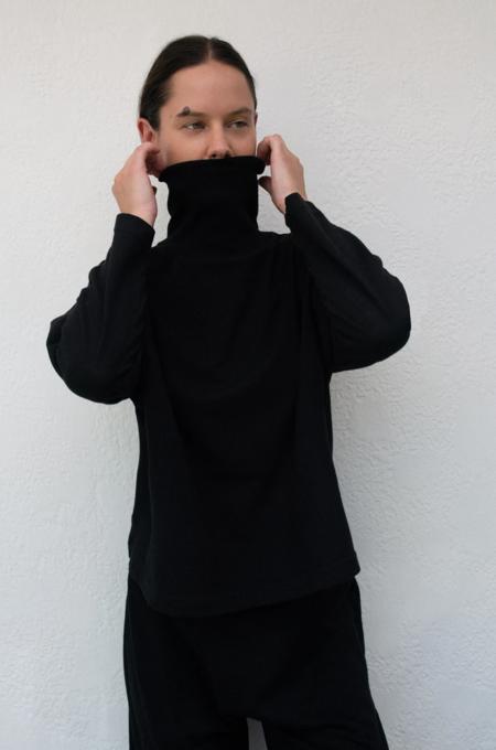 Wol Hide Box Mockneck - Black