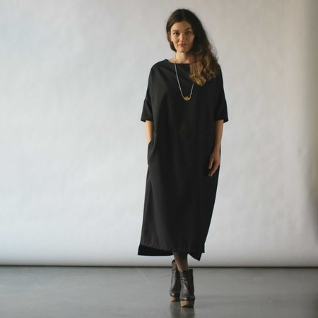 Lu. Revel Dress in Raven