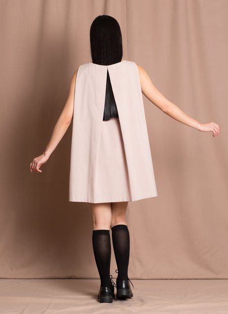 KAAREM tyh.d Boatneck Open Back Dress - Beige