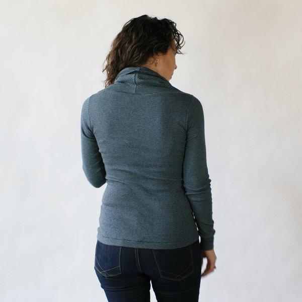 Curator Arden Top in Blue/Grey Stripe