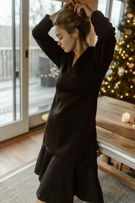 Conrado Fleeced Stephanie Midi Dress - Black