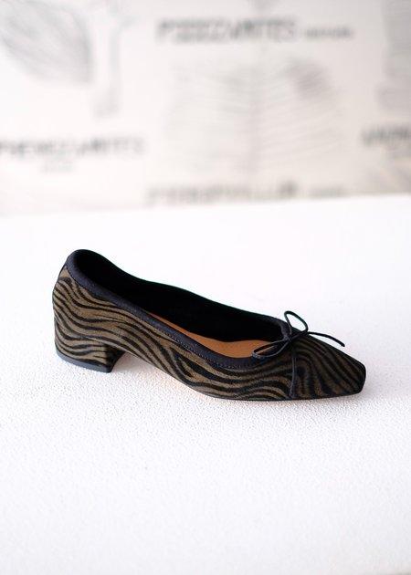 About Arianne Mina Shoe - Black Zebra