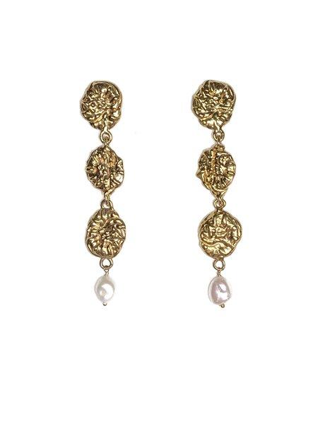 CLARK JEWELRY Tier Drop Pearl Earrings - 18K Gold