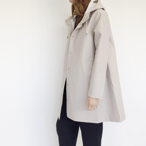 Stutterheim Mosebacke Raincoat in Light Sand