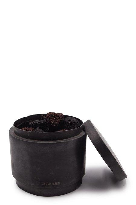 Mad et Len Boris Bidjan Saberi Lava Stone Jar