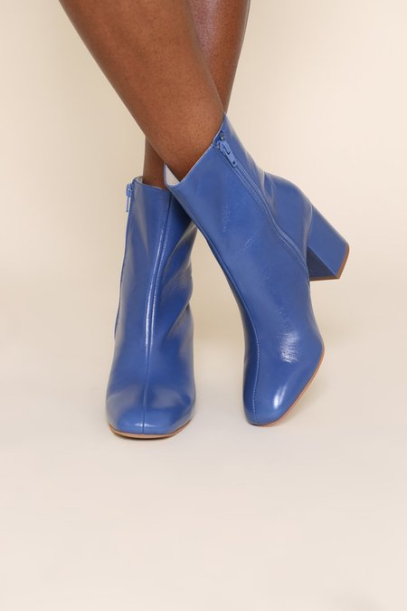 """""""INTENTIONALLY __________."""" Janetta Mid-Height Boots - Periwinkle"""