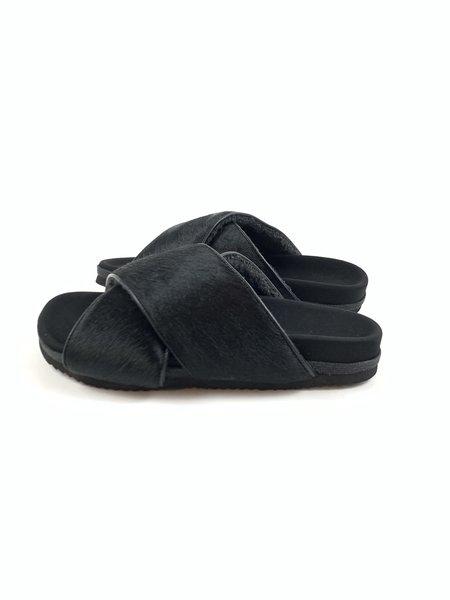 Roam Calf Cross Sandals - black