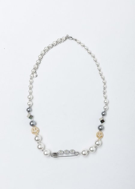Crystal Daisy Pin Smile Face Pearl Necklace - Silver