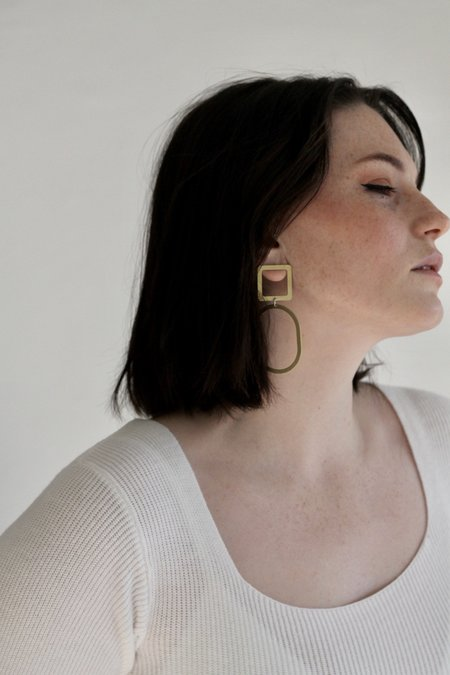 Descendant Square Oval Earrings - Yellow Gold