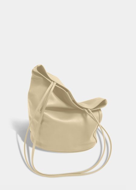 Modern Weaving Slim Lamb Oval Bucket bag - Ecru