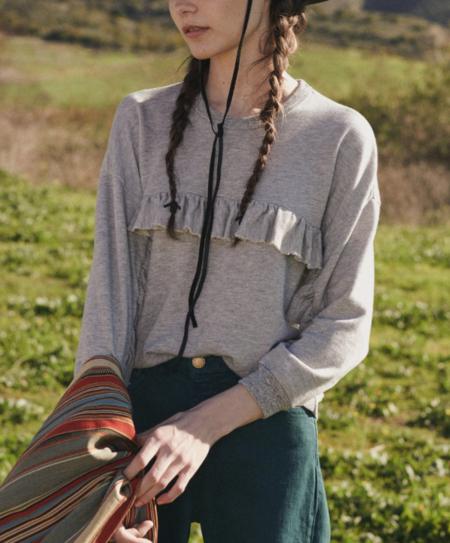 The Great. The Ruffle Sweatshirt - Light Heather Grey