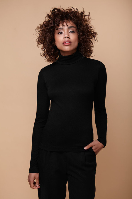 Amanda Moss Brigid Turtleneck (Black)