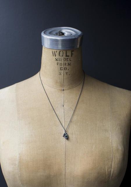 Acanthus Emerald Dark Palm Pendant Necklace - Silver/Gold