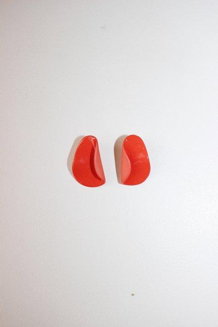 Four Eyes Ceramics fold earrings - poppy