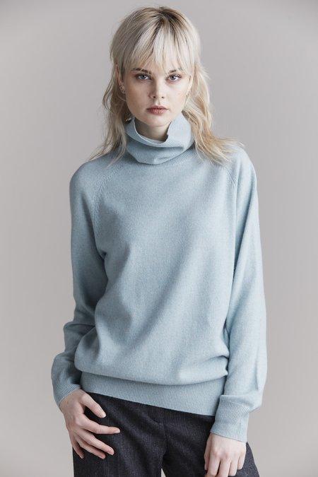 Laing Home Hemingway Cashmere Roll Neck sweater - Misty Jade