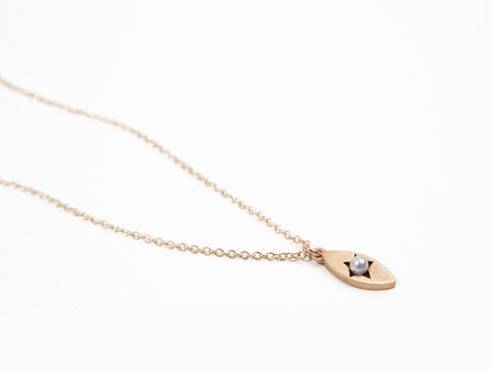 Sara Golden June Birthstone Star Necklace - Brass/Pearl