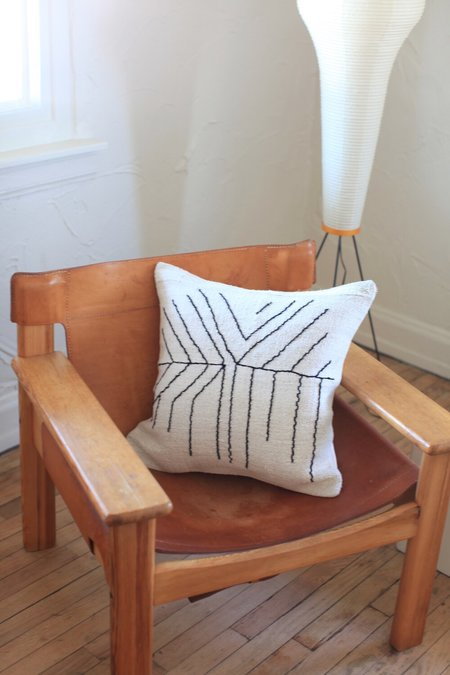 nomad collective Hand-stitched Turkish Kilim Pillow - white/black
