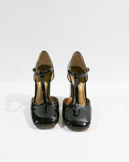 [pre-loved] Dolce & Gabbana Patent Leather T Strap Pumps - Black