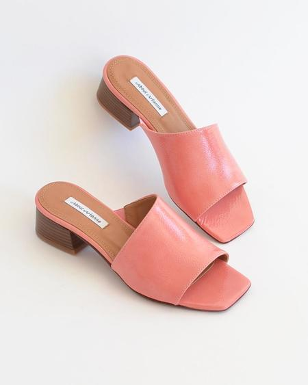 About Arianne Mel sandals - Pink