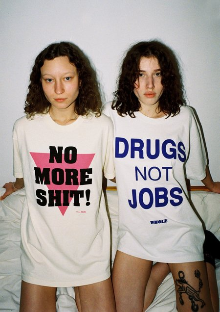 unisex DRUGS NOT JOBS top - Off-White