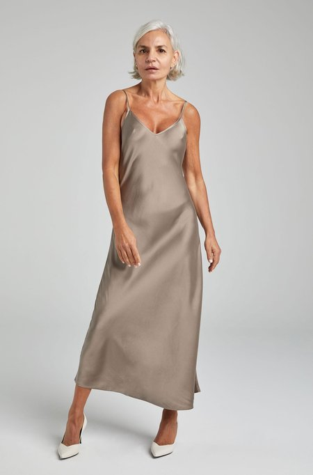 Silk Laundry 90S SILK SLIP DRESS - CLAY