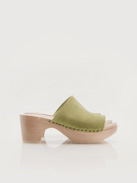 ZUZII FOOTWEAR Romy Clogs - Avocado