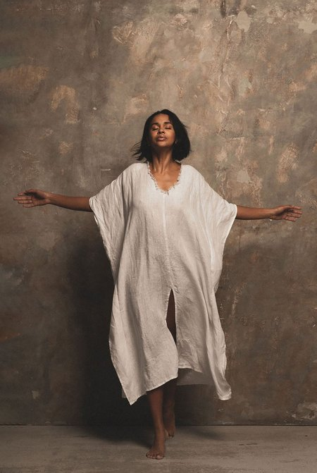 A PERFECT NOMAD LET THERE BE PEACE linen kaftan - White