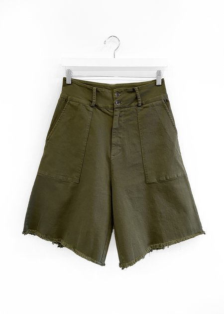 Baci Patch Pocket Raw Shorts - Army