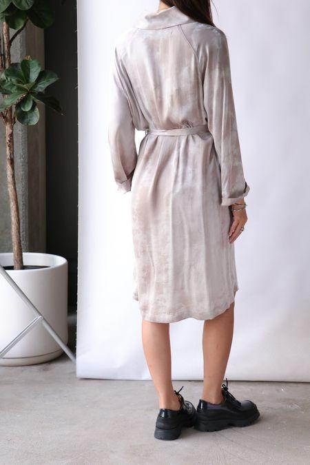 Raquel Allegra Robe Dress - Silver Cloudwash