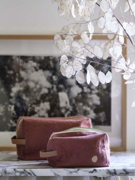 La Cerise Sur Le Gateau Medium Pouch Cube - Iona Rhubarb