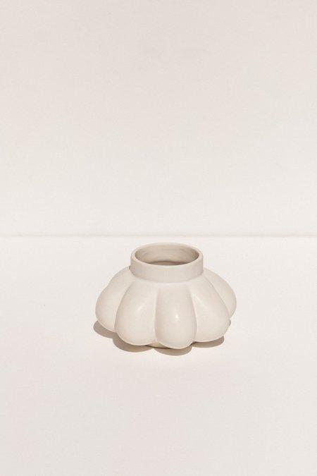 Severj Studio Garlic I Vase - white