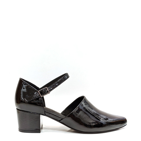 """INTENTIONALLY __________."" Parfait Heels - Black"