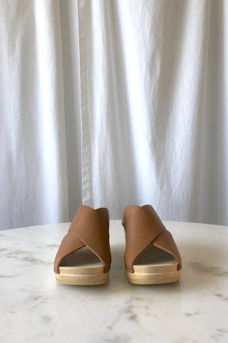 No.6 Frida Clog - Palomino
