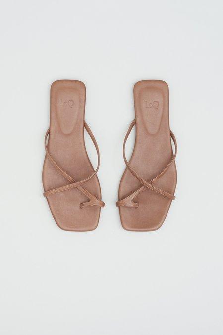 LOQ Cruz Sandals - Mousse