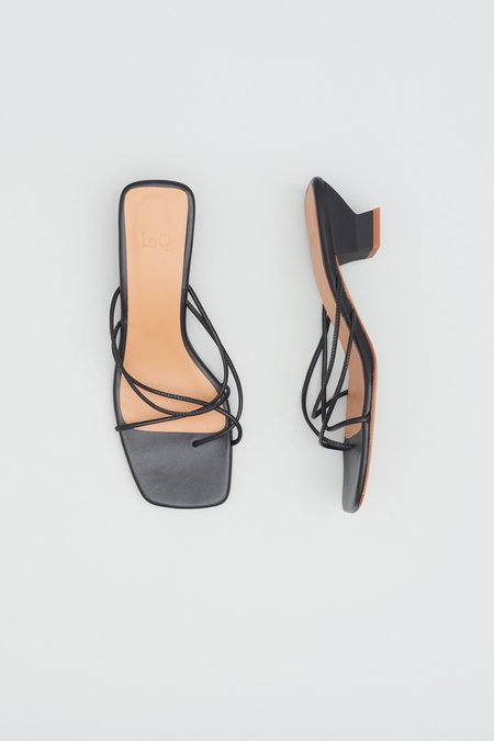 LOQ Tara Sandals - Black
