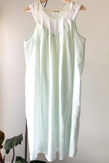 Vintage Moo Moo Nightgown - Pastel Green