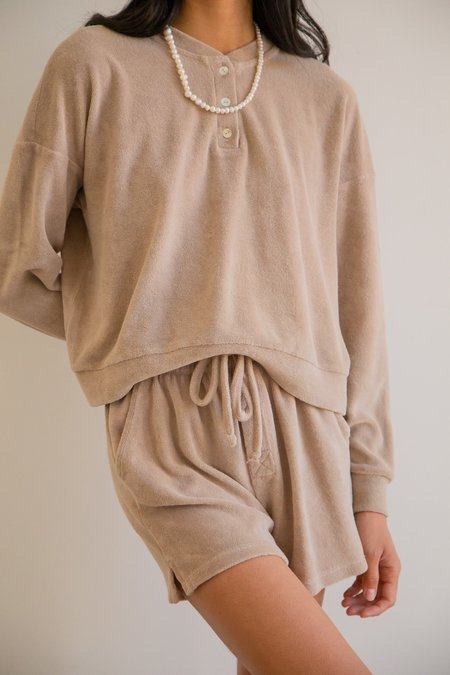 Donni Terry Henley Shorts - stone