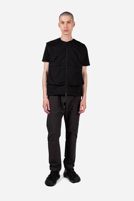 Poutnik Blade Vest - Black