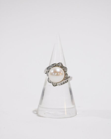 Pre-loved Pearl Dome Ring - Sterling silver