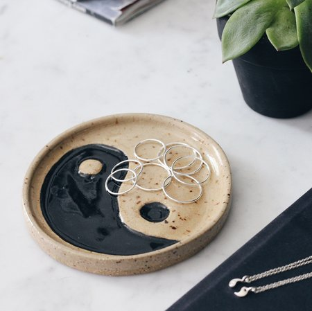Tarin Thomas Yin Yang Ring Dish - Natural/Black