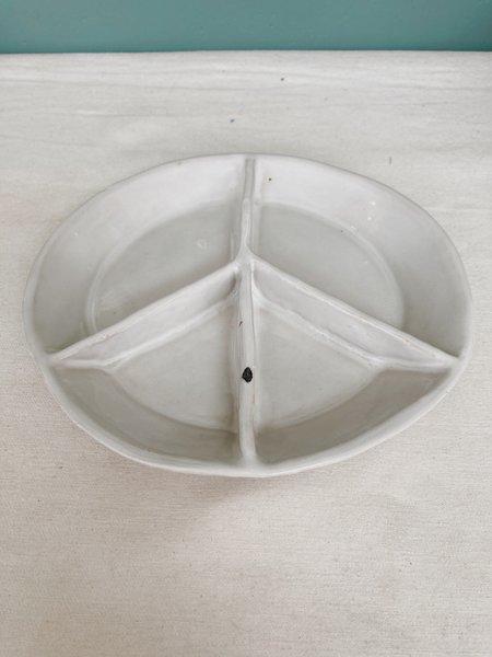 """Ariel Clute 8"""" Peace Plate - Bright White"""