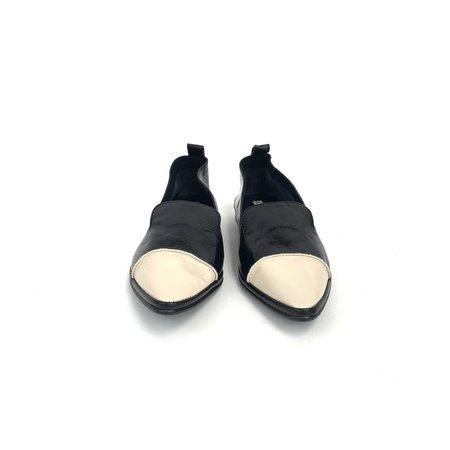 U. No. 5 ST Tip Pointed Loafer - Black/Beige