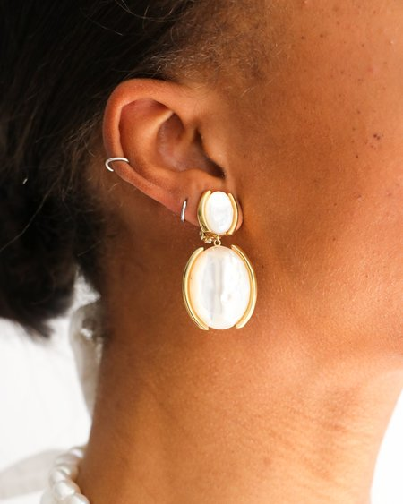 [Pre-loved] Sarah Magid Mother of Pearl Clip-On Earrings - Gold/White