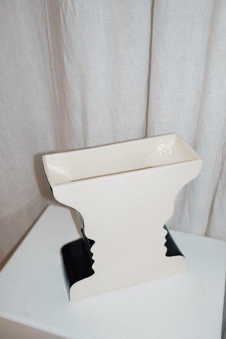 Umlaut Ceramics Rubin Optical Illusion Vase