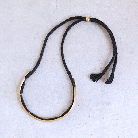 Erin Considine Ridge Choker Necklace in Brass and Black